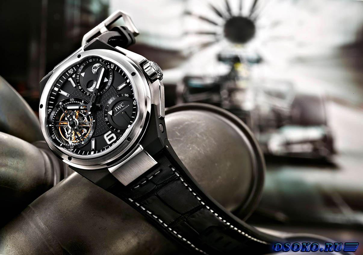 Если есть желание купить недорогие часы, то рекомендуется выбрать модель со стальным браслетом.